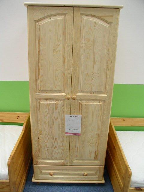 Skříň 15 - masiv borovice