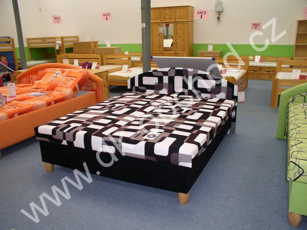 Čalouněná postel Emil na nožkách