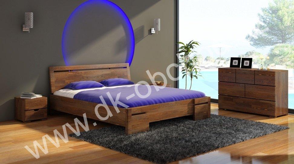 Zvýšená postel z masivu Salerno Maxi 200x200